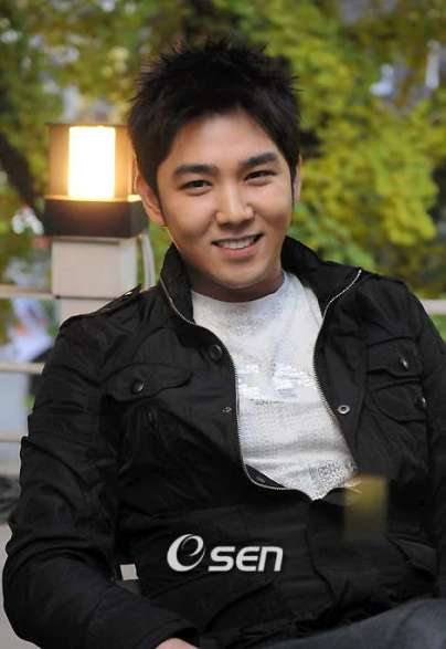http://elflovesuju.files.wordpress.com/2009/10/kangin-2.jpg